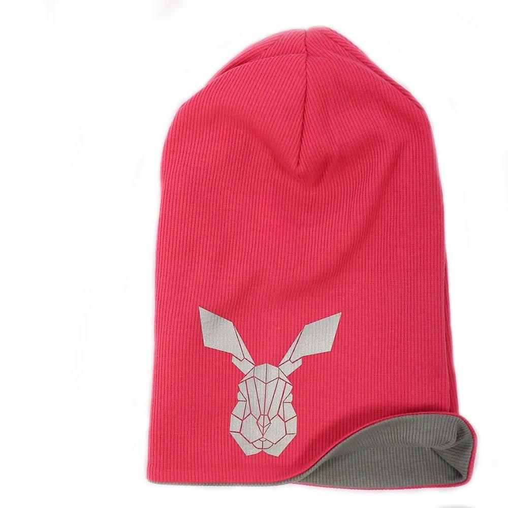Cepure ar apdruku. Rozā krāsas cepure.